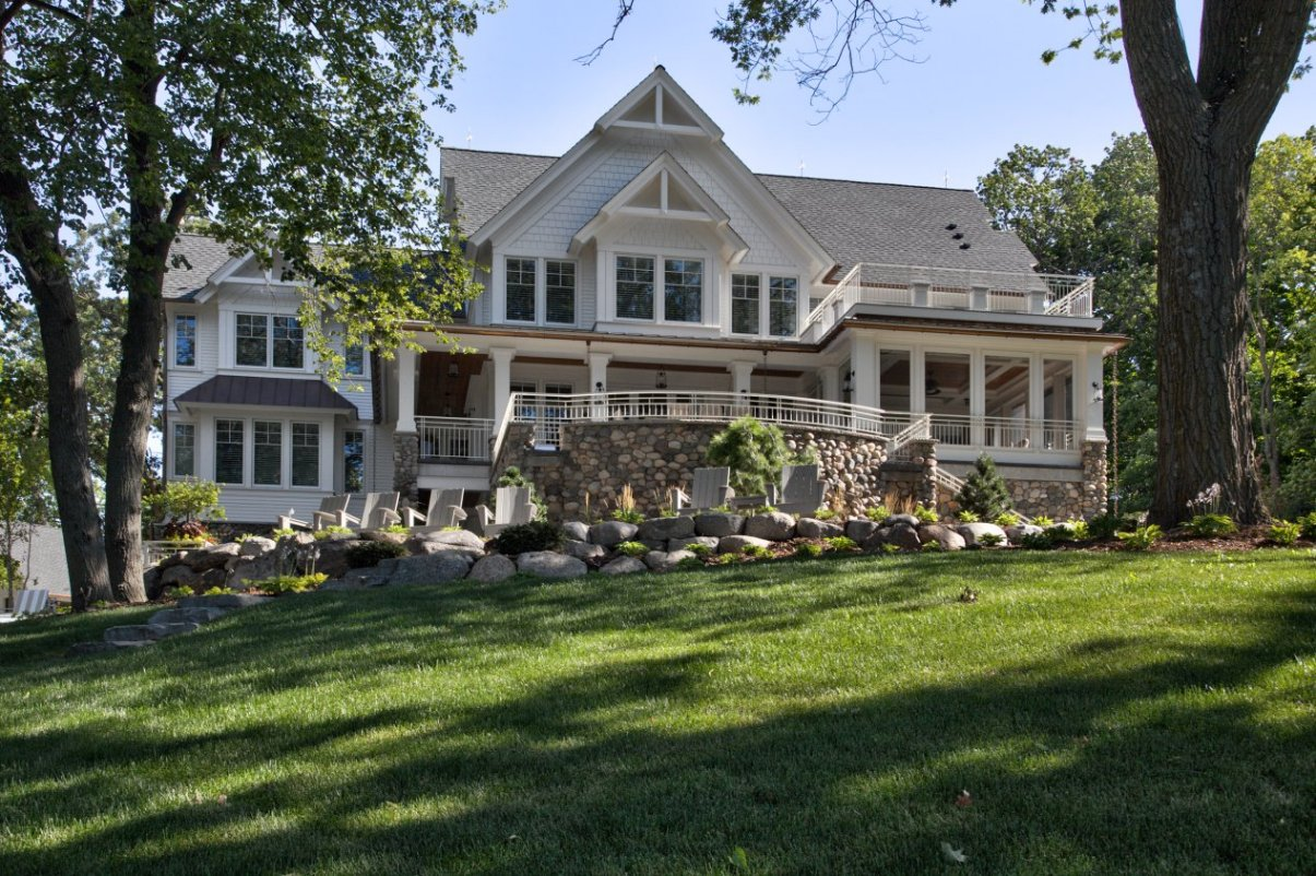 Farmhouse on the Lake